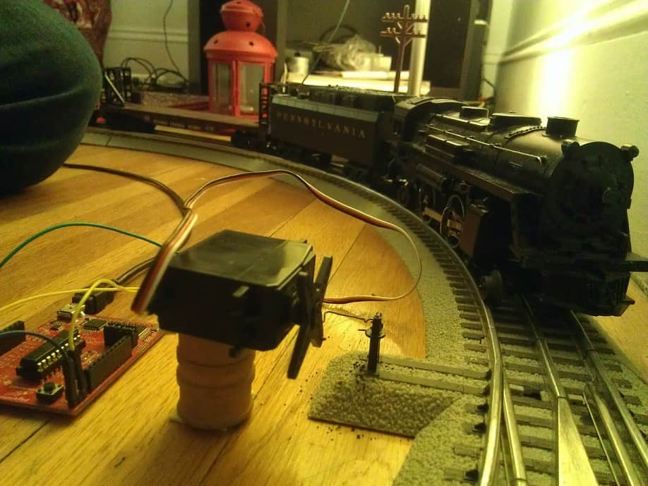 DIY Model Railroad Switch With A Launchpad In 10 Minutes